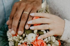 A Guide To Wearing A Wedding Ring