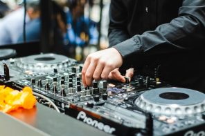 Tips for a wedding with DJ to get the best out of your wedding party