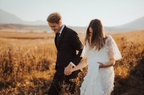 Steps to Transform Your Wedding Photos into Canvas Prints