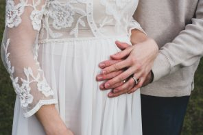 How should I buy my wedding dress while pregnant?